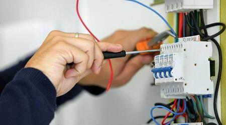 Book an electrician online in hyderabad